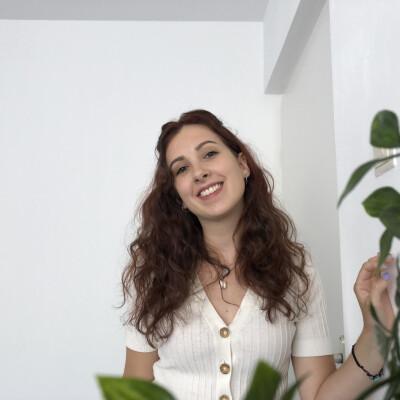 Demi zoekt een Kamer / Studio / Appartement in Den Bosch